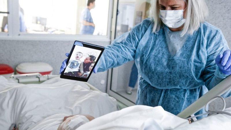 Nemocnice Svet zdravia spájajú pacientov s rodinami cez videohovory